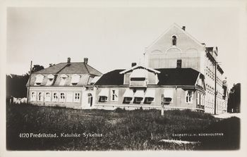 350px-Fredrikstad,_Cicignon_-_St._Josephs_hospital_-_no-nb_digifoto_20151009_00141_bldsa_PK06495